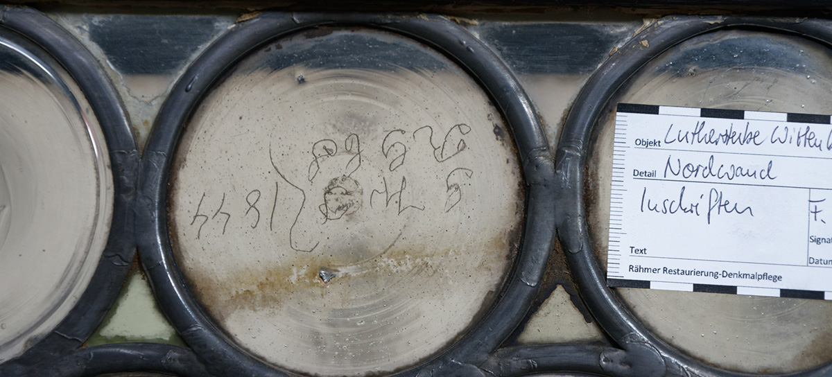 Inscriptions of early visitors to the Lutherstube, photo: Uwe Rähmer